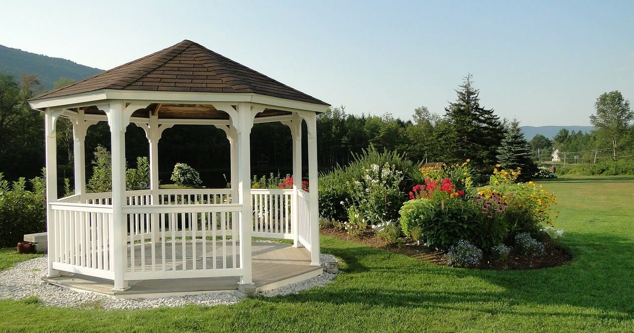 gartenpavillon selber bauen pavillon aus holz anleitung tipps. Black Bedroom Furniture Sets. Home Design Ideas